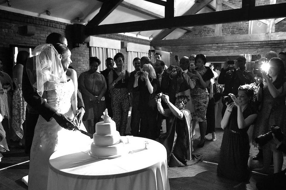 Cutting the cake - Craige Barker Photography