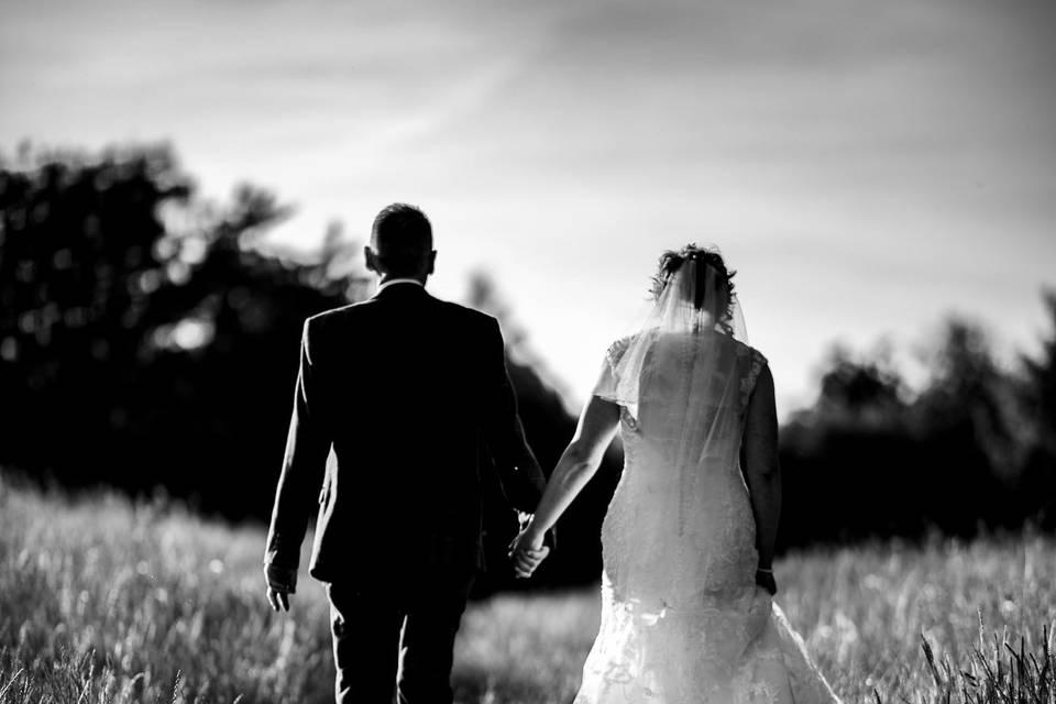 Holding hands - Matt Trott Photography