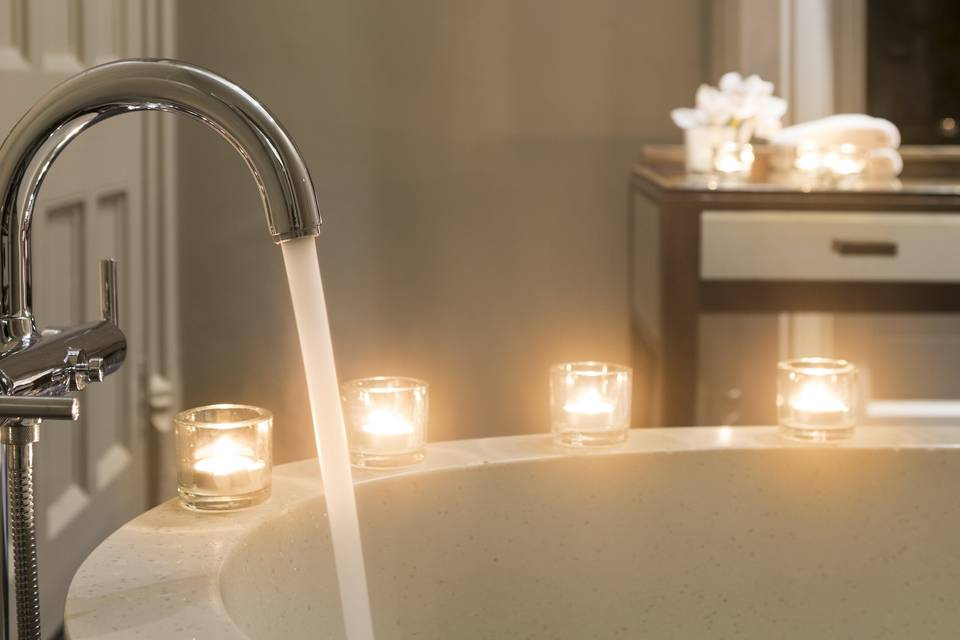 Bath and candles