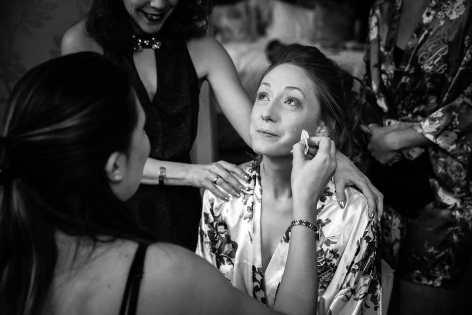 Getting ready - Richard Murgatroyd Photography