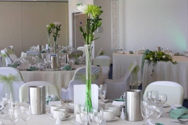 Elegant table centrepieces